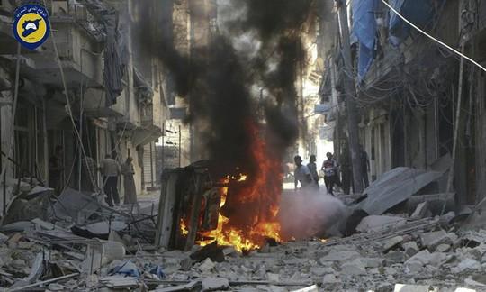 Aleppo tan tác vì không kích. Ảnh: AP