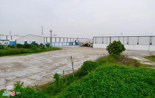 Nhà máy của Vinaxuki có số vốn đầu tư 1.650 tỉ đồng tại Mê Linh (Hà Nội) từng hoạt động rất hiệu quả đang có nguy cơ trở thành đống phế liệu sau nhiều năm ngưng sản xuất. Ảnh: Lê Hiếu