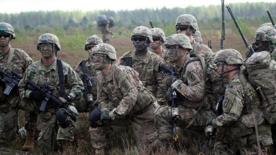 Binh lính Mỹ tại Latvia. Nga rất không hài lòng trước sự hiện diện của NATO ở Đông Âu. Ảnh: EPA