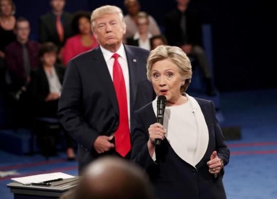 Đúng như dự đoán, tỉ phú Mỹ bị chỉ trích vì đoạn ghi âm sờ soạng phụ nữ. Ảnh: Reuters