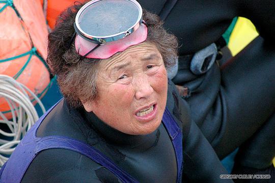 Bà Hyeon Jeong-soon, 67 tuổi - một Haenyo nhiều kinh nghiệm. Ảnh: CNN