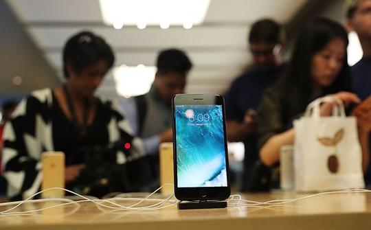 Ở Trung Quốc, câu chuyện các cô gái thử lòng bạn trai bằng iPhone 7 là điều không mấy xa lạ. Nhưng để có được đến 20 bạn trai và mỗi người đều tặng iPhone, nhân vật Xiaoli đã trở thành huyền thoại mạng ở đất nước này. Ảnh: iTechpost.
