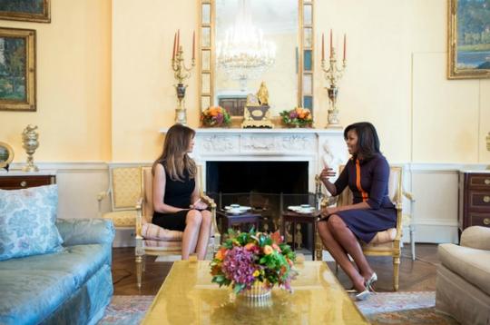 Hai người phụ nữ quyền lực trong cuộc gặp mặt đầu tiên.