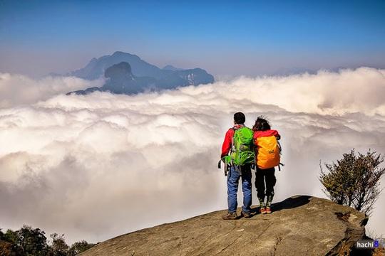 Đỉnh Lảo Thẩn điểm săn mây được phượt thủ yêu thích - Ảnh: Hachi8/ vnexpress.net