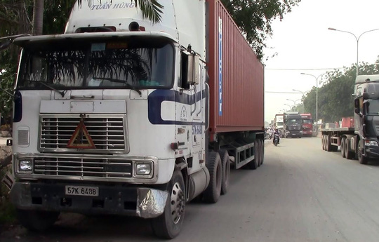 Chiếc xe container gây tai nạn.