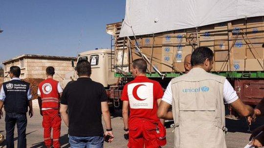 78.000 người đang cần viện trợ khắp thị trấn Urm al-Kubra. Ảnh: EPA