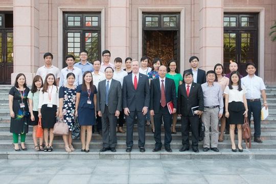Đại sứ Osius gặp gỡ lãnh đạo và cán bộ Học viện Chính trị Quốc gia Hồ Chí Minh - Ảnh do Đại sứ quán Mỹ cung cấp
