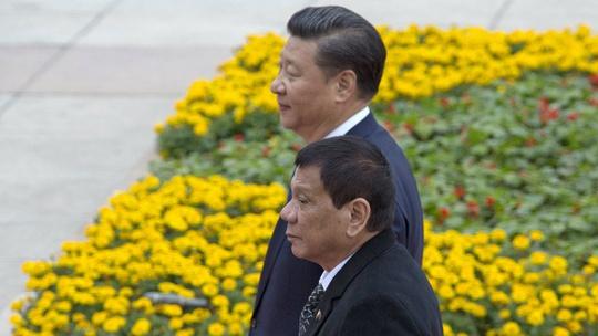 Chủ tịch Tập Cận Bình và Tổng thống Philippines Rodrigo Duterte Ảnh: AP
