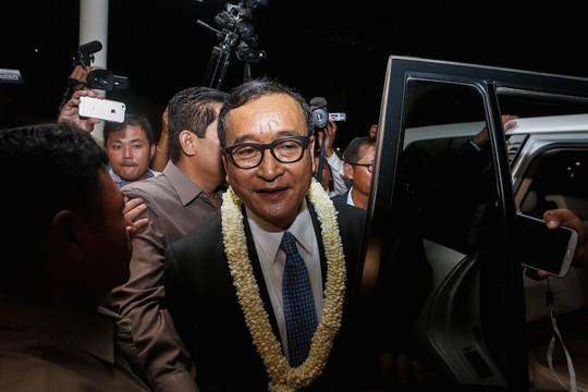Ông Sam Rainsy phải chạy sang Pháp để trốn án phạt tù. Ảnh: THE CAMBODIA DAILY