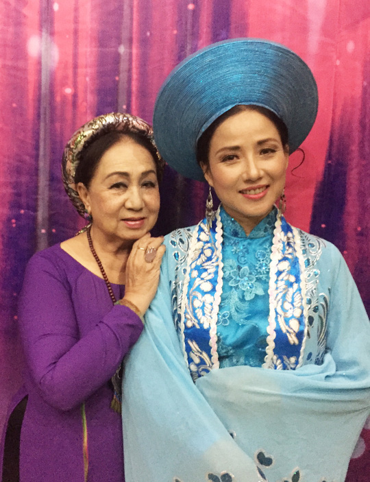 NS Yến Chi và NSƯT ca sĩ Hồng Vân cùng diễn trong vở kịch thơ Huyền Trân Công chúa