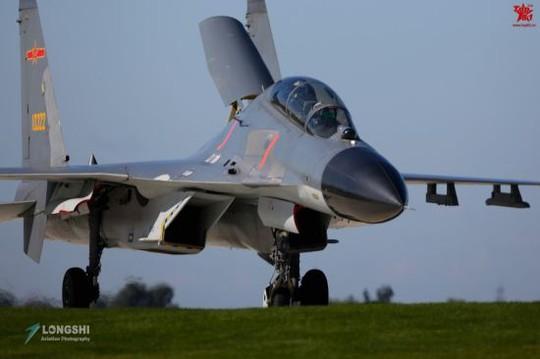 Chiến đấu cơ J-11 của không quân Trung Quốc Ảnh: SINA