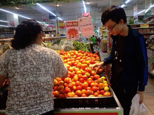 Cà chua đang là mặt hàng sốt nhất dù giá cao ngất ngưỡng