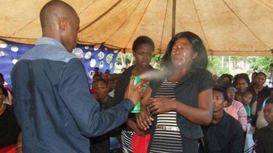Ông Rabalago tuyên bố có thể chữa cả ung thư và HIV. Ảnh: BBC