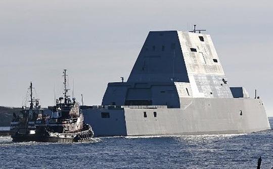Một tàu khu trục USS Zumwalt. Ảnh: AP
