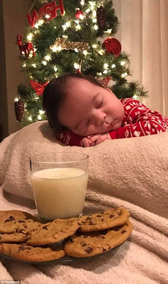 Khi ở nhà với người trông trẻ, bé đã bị chấn thương sọ não và bất tỉnh.