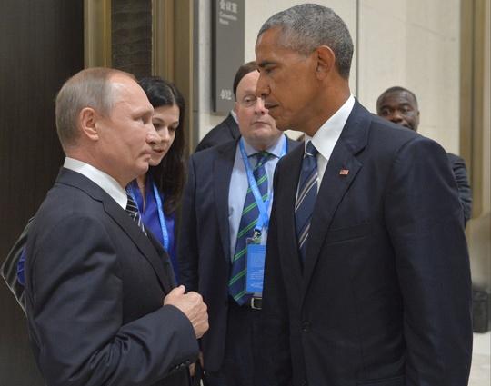 Tổng thống Mỹ Barack Obama và người đồng cấp Nga Vladimir Putin gặp mặt tại Hàng Châu, Trung Quốc. Ảnh: AP