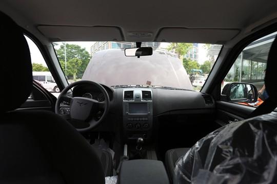 Nội thất bên trong chiếc bán tải UAZ Pick up