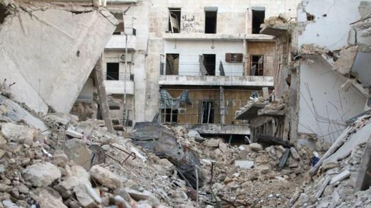 Nhiều nơi ở Aleppo tan hoang do không kích. Ảnh: REUTERS