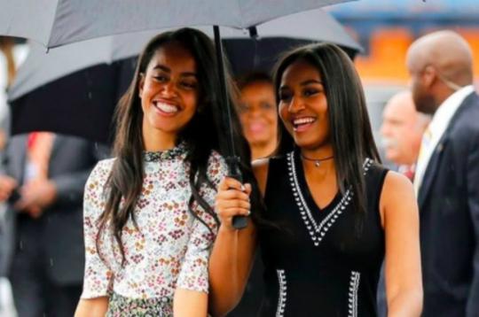 Hai con gái của Obama phải tuân theo các giá trị gia đình.