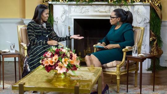 Bà Obama trả lời phỏng vấn của người dẫn chương trình Oprah Winfrey. Ảnh: NHÀ TRẮNG