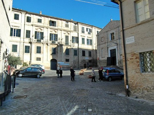 Nơi ở của thi hảo Giacomo Leopardi tại Recanati - Ảnh: uteap