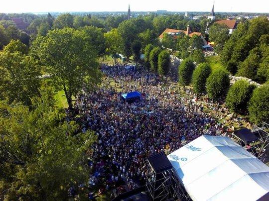 Viljandi rộn ràng trong lễ hội nhạc dân gian thường niên - Ảnh: folk.ee