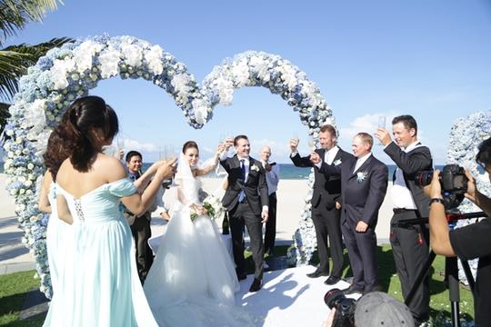 Đám cưới xa hoa của cô gái gốc Ninh Bình và tỷ phú Canada