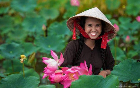 Thi viết về phụ nữ Việt Nam