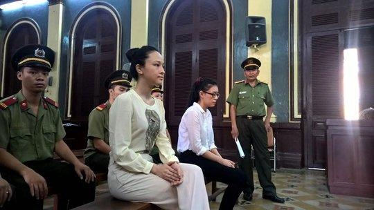 Hoa hậu Phương Nga tại phiên tòa xử tội lừa đảo đối với đại gia Cao Toàn Mỹ