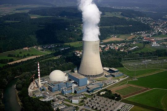 Một nhà máy điện hạt nhân ở Thụy Sĩ. Ảnh: ABC.net.au