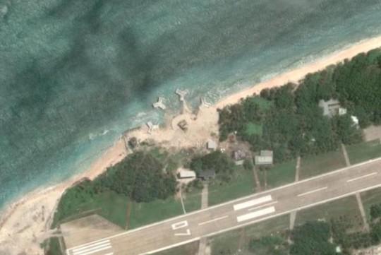 Hình ảnh vệ tinh về những tòa nhà mới được xây trên đảo Ba Bình. Ảnh: Google Maps