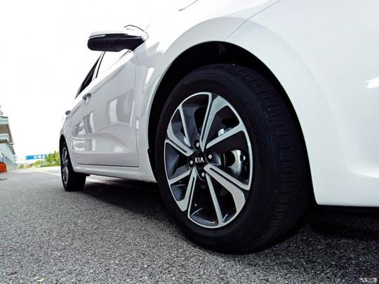 Kia chuẩn bị ra mắt Rio Sedan 2017