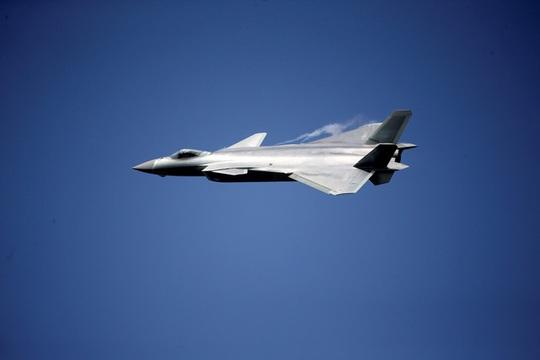 Máy bay chiến đấu tàng hình J-20. Ảnh: Reuters