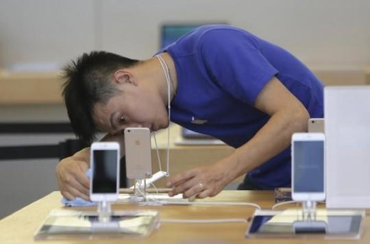 Apple chưa lên tiếng về vụ việc sau yêu cầu từ phía Hiệp hội người tiêu dùng Trung Quốc. Ảnh: Reuters.