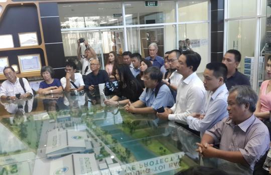 Các doanh nhân tham quan mô hình xử lý chất thải tại Khu Liên hợp Đa Phước