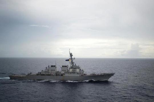 Tàu khu trục của Mỹ tuần tra ở biển Đông. Ảnh: Reuters
