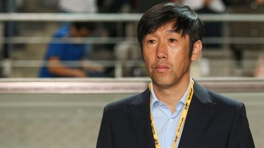HLV Gao Hongbo từ chức sau trận thua Uzbekistan 0-2 tối 11-10