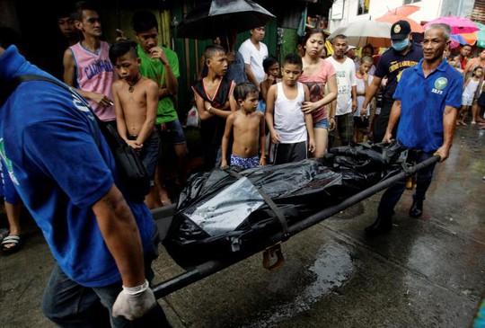 Hàng ngàn người đã thiệt mạng trong chiến dịch chống ma túy của Tổng thống Duterte. Ảnh: Reuters
