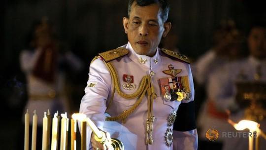 Thái tử Maha Vajiralongkorn đồng ý lên ngôi vua hôm 1-12. Ảnh: Reuters