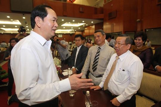 Chủ tịch nước Trần Đại Quang gặp gỡ doanh nghiệp tại TP HCM Ảnh: HOÀNG TRIỀU