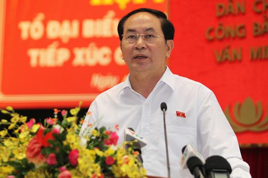 Chủ tịch nước Trần Đại Quang phát biểu tại buổi tiếp xúc cử tri quận 1, 3, 4 ngày 4-10. Ảnh Hoàng Triều