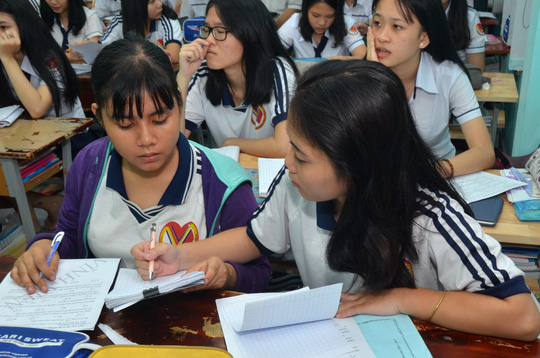 Bộ Giáo dục và Đào tạo thừa nhận chưa giám sát tốt việc dạy thêm ngoài nhà trường. Trong ảnh: Học thêm tại một trung tâm bồi dưỡng văn hóa ở TP HCM. Ảnh: Tấn Thạnh