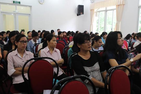 CNVC-LĐ tham gia buổi báo cáo chuyên đề