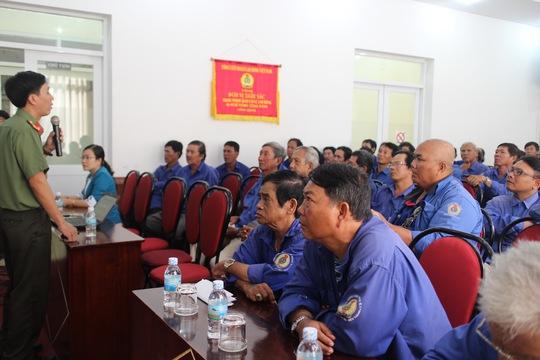 Đoàn viên nghiệp đoàn xe ôm tại buổi tuyên truyền