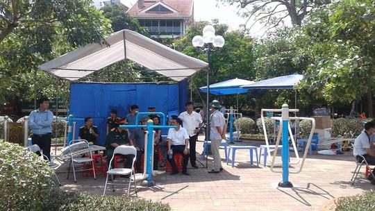 Trạm chỉ huy dã chiến trên đường Nguyễn Đình Thi