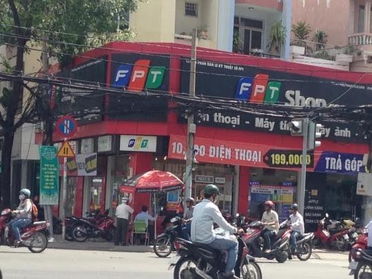 Cửa hàng FPT ngã tư Võ Văn Tần -Cách Mạng Tháng 8 (quận 3) nơi đã bị trộm