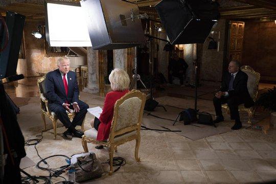 Tỉ phú Donald Trump trả lời phỏng vấn đài CBS. Ảnh: CBS News