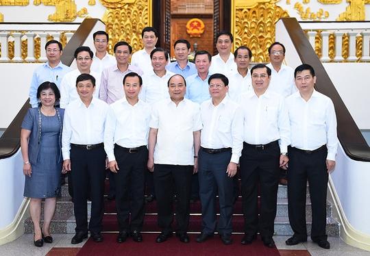 Thủ tướng Nguyễn Xuân Phúc cùng lãnh đạo chủ chốt của TP Đà Nẵng