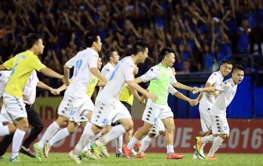 Hà Nội T&T cùng điểm với Hải Phòng khiến cuộc đua đến ngôi vô địch kịch tính đến vòng cuối