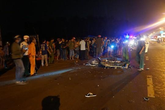 Hiện trường vụ tai nạn trong đêm